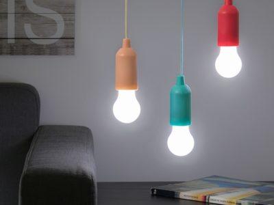Nöörist tõmmatav LED lamp